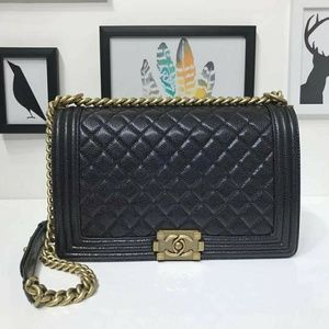 Chanel Le boy handbag Check description